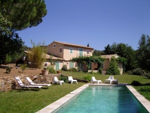 prestige house with swimming pool luberon