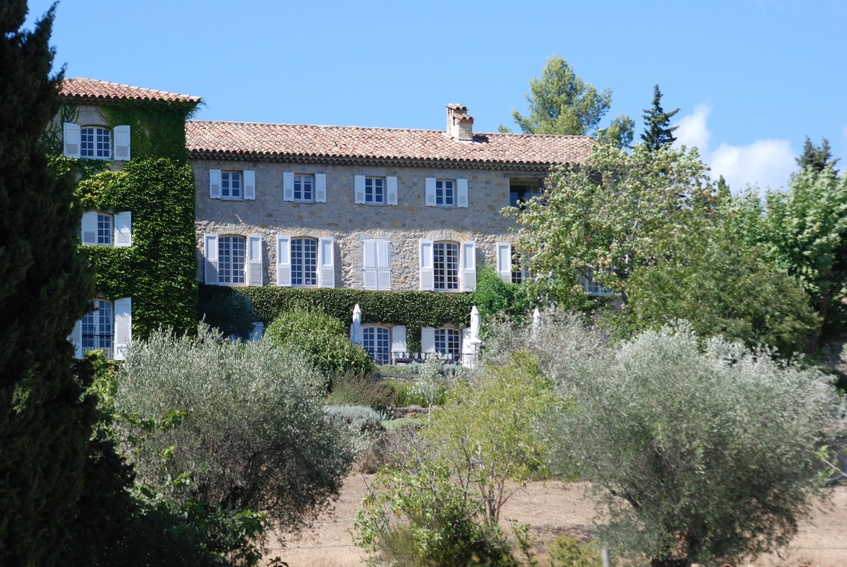event venue for rent luberon
