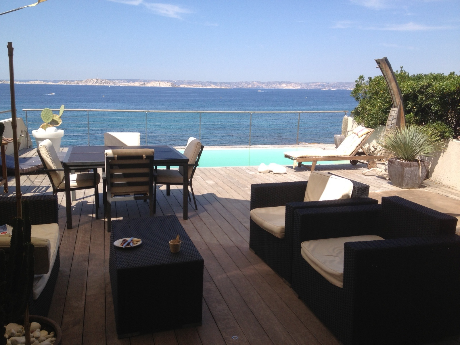 buy a luxury villa near the beach in marseille living in provence. Black Bedroom Furniture Sets. Home Design Ideas